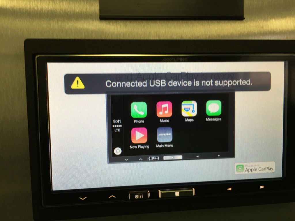 Alpine iLX-007 Review - no iPods allowed, iPhone 5 and up only