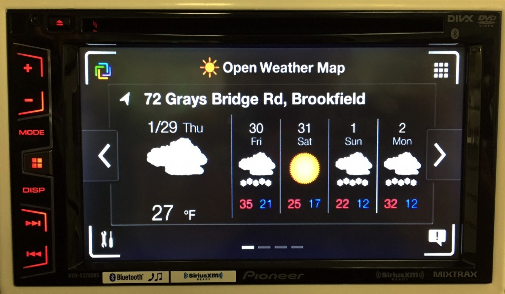 Pioneer Double Din AVH-X2700BS shows you the weather in App Radio One mode.
