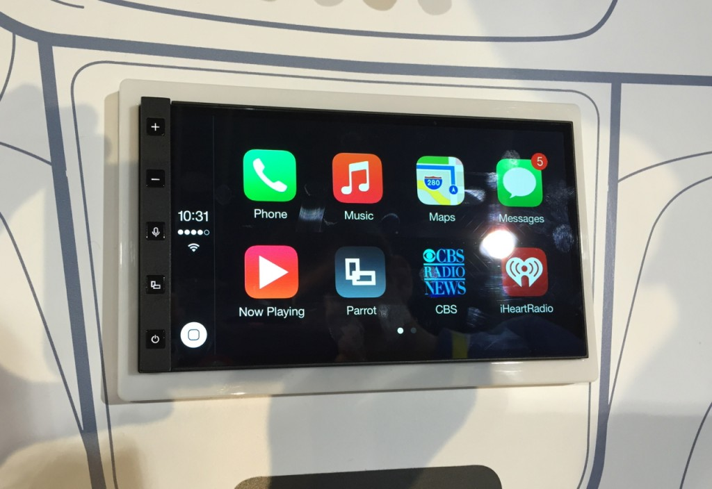 Parrot RNB6 Apple CarPlay