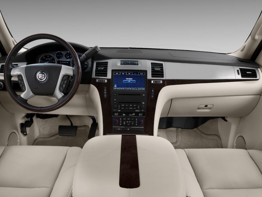 Cadillac Escalade Navigation Dash