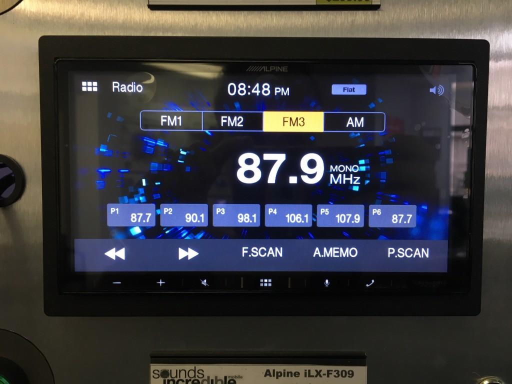 Alpine iLX-W650 Review - AM-FM Radio screen pic