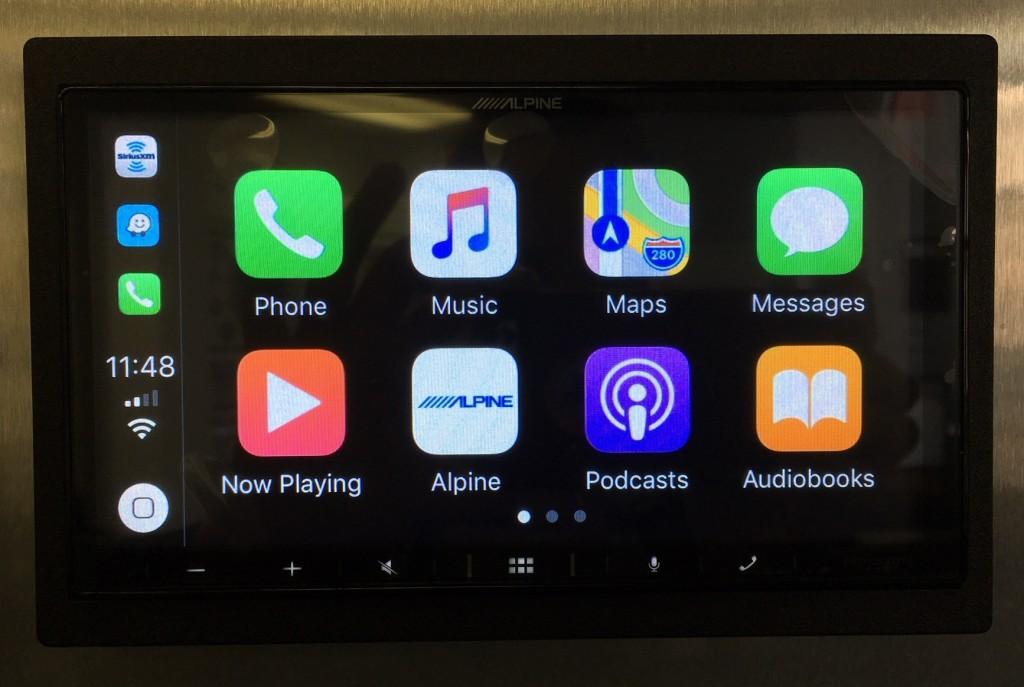 Alpine iLX-W650 Review - Apple CarPlay pic